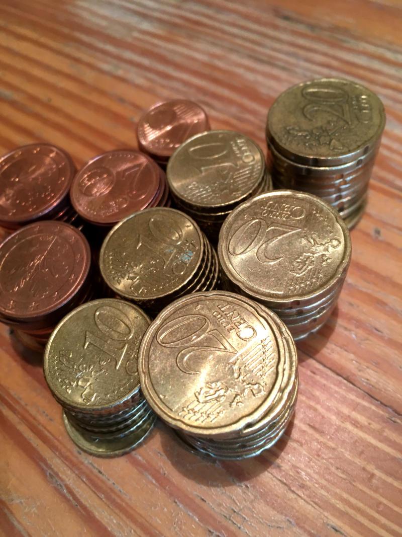 Kleingeld Bank einzahlen